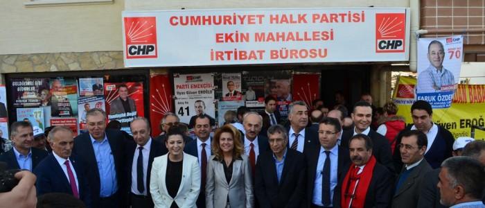 CHP Ankara 1.Bölge Milletvekili A.Adayı Ercan ÇUHADAR CHP Ekin Mahallesi İrtibat Bürosu'nun açılış törenine katıldı.