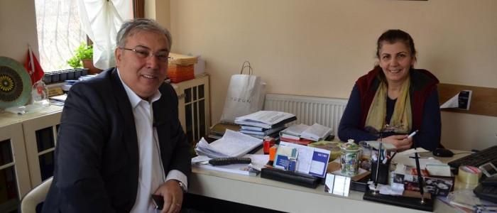 CHP Ankara 1.Bölge Milletvekili A.Adayı Ercan ÇUHADAR Koru Mahallesi Muhtarı Türkan YEZER'i ziyaret etti.