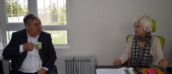 CHP Ankara 1.Bölge Milletvekili A.Adayı Ercan ÇUHADAR Çayyolu Mahallesi Muhtarı Meryem GÜVEN'i ziyaret etti.