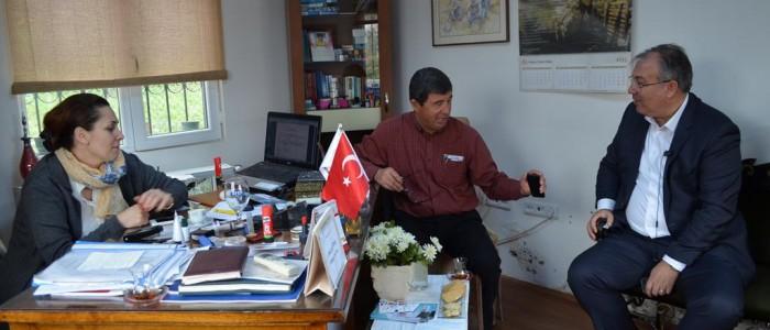 CHP Ankara 1.Bölge Milletvekili A.Adayı Ercan ÇUHADAR Ahmet Taner Kışlalı Mahallesi Muhtarı Hale Ekmekçi EMRE'yi ziyaret etti.